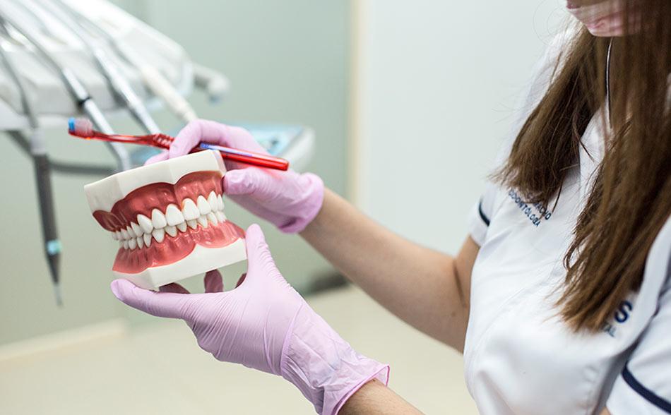 tratamientos clinica dental calas estetica dental
